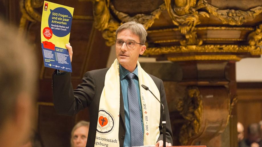 Dr. Martin Beck erinnert an 500 Jahre Reformationsjubiläum in Augsburg, das auch ökumenisch gefeiert wurde.