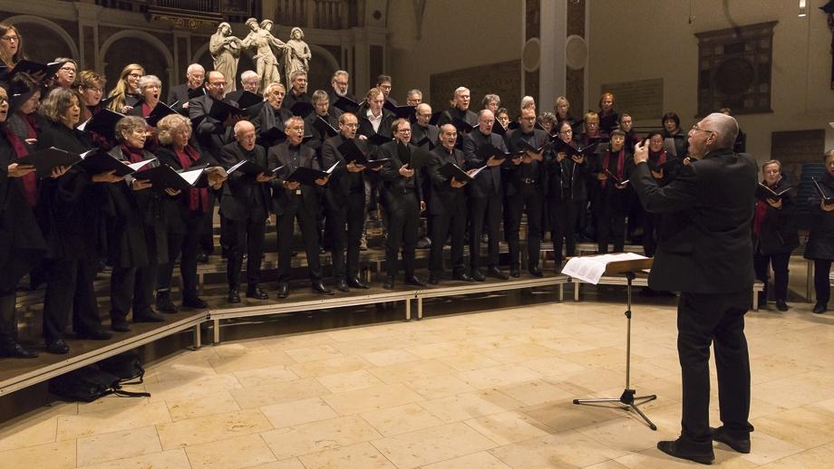 Der Madrigalchor bei St. Anna unter Leitung von Kantor Michael Nonnenmacher