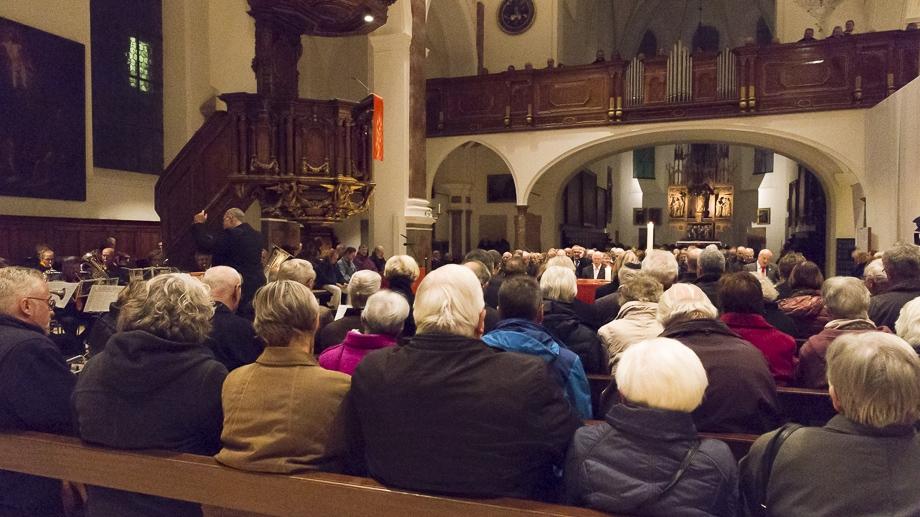 Die St. Anna Kirche war gut besucht - auch unter den Gästen waren etliche Zeitzeugen.