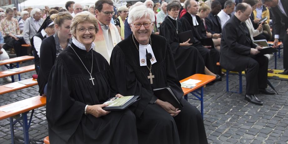 Stadtdekanin Susanne Kasch und Landesbischof Heinrich Bedford-Strohm   Foto: I. Hoffmann