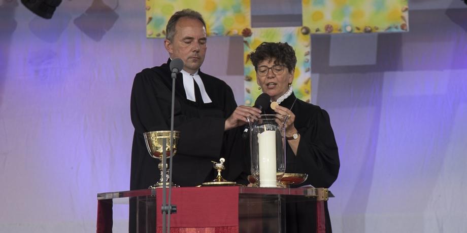 Pfarrer Peter Lukas (Bobingen) und Pfarrerin Christiane Ludwig (diako)   Foto: I. Hoffmann
