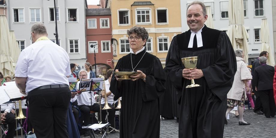 Pfarrerin Christiane Ludwig (diako) und Pfarrer Peter Lukas (Bobingen)   Foto: I. Hoffmann