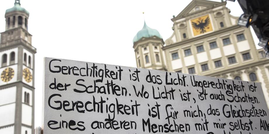 Gerechtigkeit   Foto: I. Hoffmann