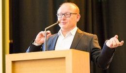 Bernd Radtke, Geschäftsführer von DHB und DJW