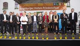 Runder Tisch derReligionen beim Augsburger Freidensfest